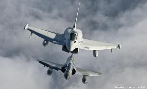 ob_406616_joint-warrior-13-2-2-un-typhoon-et-un-mirage-2000